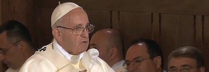 """El Papa pide a sacerdotes y consagrados """"ser escritores vivos del Evangelio"""" en los que sufren"""