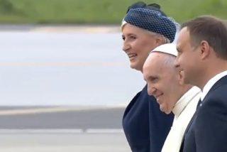 """Francisco, en el vuelo a Polonia: """"Estamos en guerra, pero no hablo de guerra de religión"""""""