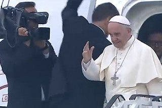 Francisco ya vuela hacia Roma