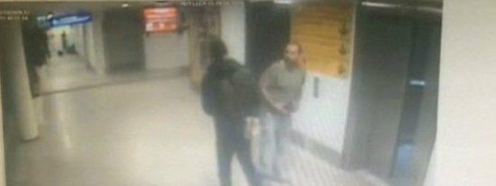 Con esta sangre fría dispara a bocajarro al policía el terrorista de Estambul