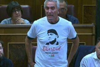 """Castillón ridiculiza a Cañamero: """"¿Usted se imagina presidiendo la comisión antiviolencia del Congreso con la camiseta de Bódalo?"""""""