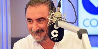 El 'inconfesable' motivo por el que el gran Carlos Herrera, el rey de la radio, interrumpe sus vacaciones