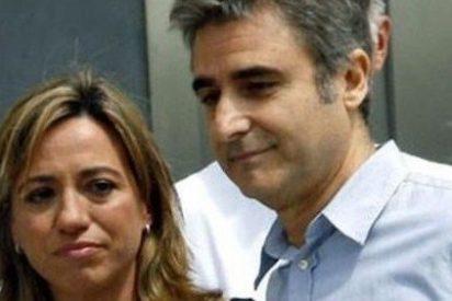 Sin poder y ahora sin marido: Carme Chacón se divorcia