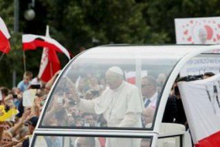 """Francisco: """"Dios nos salva haciéndose pequeño, cercano y concreto"""""""
