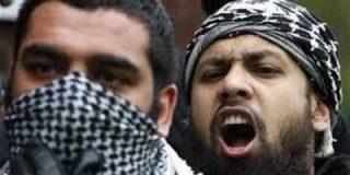 """Pérez Henares: """"Al fanatismo islámico hay que aplastarlo"""""""
