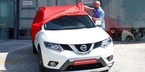 Nissan vende el primer coche a través de Twitter en Europa