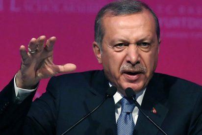 El islamista Erdogan cierra más de 130 medios de comunicación en Turquía