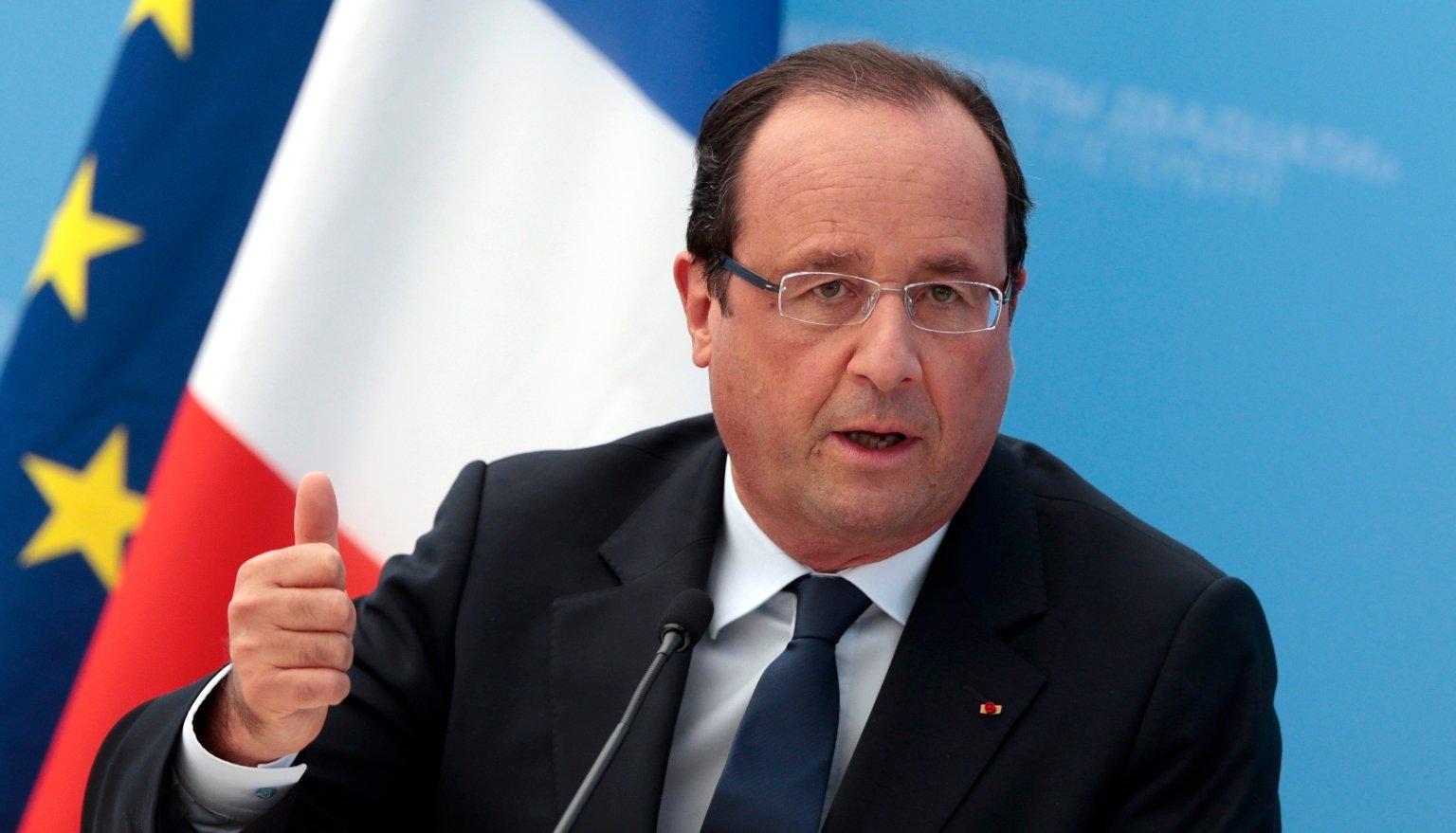 Hollande no se corta un pelo: le paga a su peluquero 9.895 € al mes
