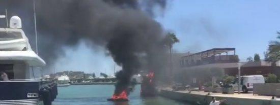 [VÍDEO] El pavoroso incendio de un barco en Ibiza que ha abrasado a dos personas