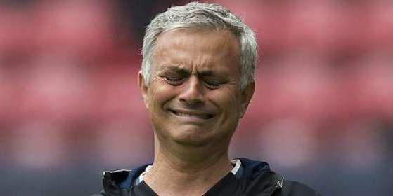 """Mourinho: """"Mata tiene sitio en equipo, creo que es feliz en el United"""""""