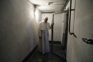 El silencio de Dios y del Papa