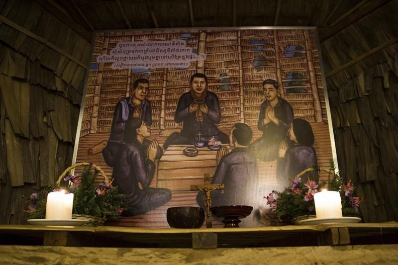 Católicos camboyanos buscan a sus mártires
