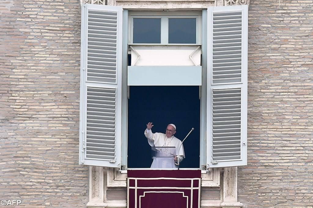 """El Papa pide que Dios """"convierta el corazón de los violentos cegado por el odio"""""""