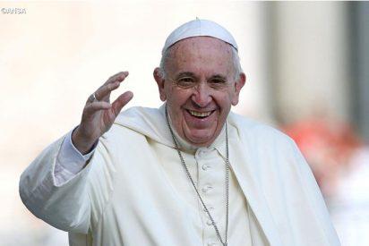 """El chequeo médico del Papa: """"Como una persona de 40 años"""""""