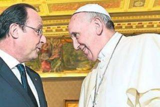 """Hollande transmite al Papa """"el dolor del pueblo francés"""""""