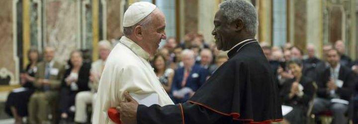"""Turkson confiesa que el Papa """"quisiera ir"""" a Sudán del Sur"""