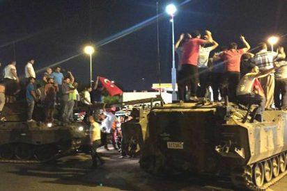 """""""Los imanes llamaban a salir a la calle a defender al Presidente"""""""