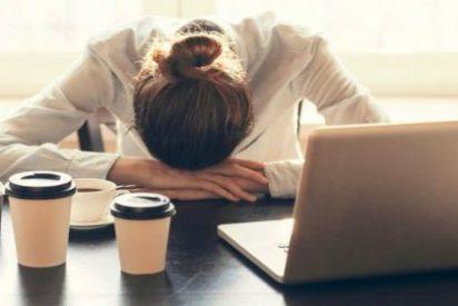 Casi la mitad de los españoles estarían dispuestos a trabajar más horas