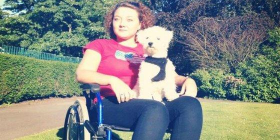 La mujer que acabó en silla de ruedas por comer mucho queso