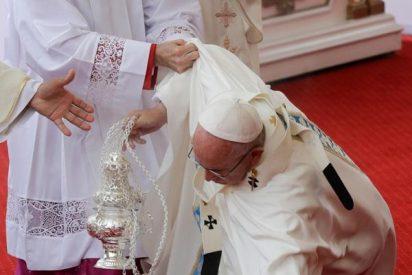 """Lombardi: """"El Papa no se ha hecho daño, no ha necesitado control médico"""""""
