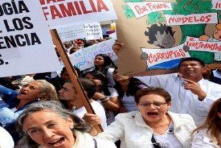 """Miles de personas protestan contra la """"ideología de género"""" en Bogotá"""