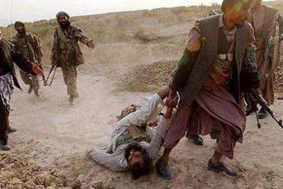 Los talibanes multiplican sus ataques en Afganistán pese a las negociaciones de paz