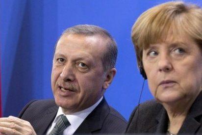 El islamista Erdogán arremete contra Angela Merkel por acusarle de apoyar a grupos islamistas
