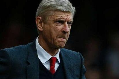 Arsene Wenger echa un ojo en México