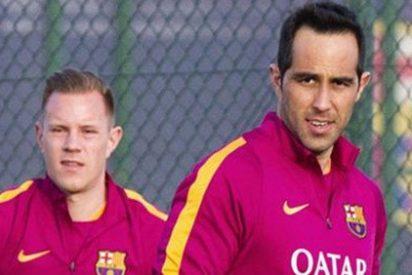 Porteros: Guerra bajo palos en el Barça