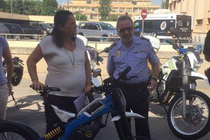 Bultaco entrega una Brinco a la Policía de Murcia
