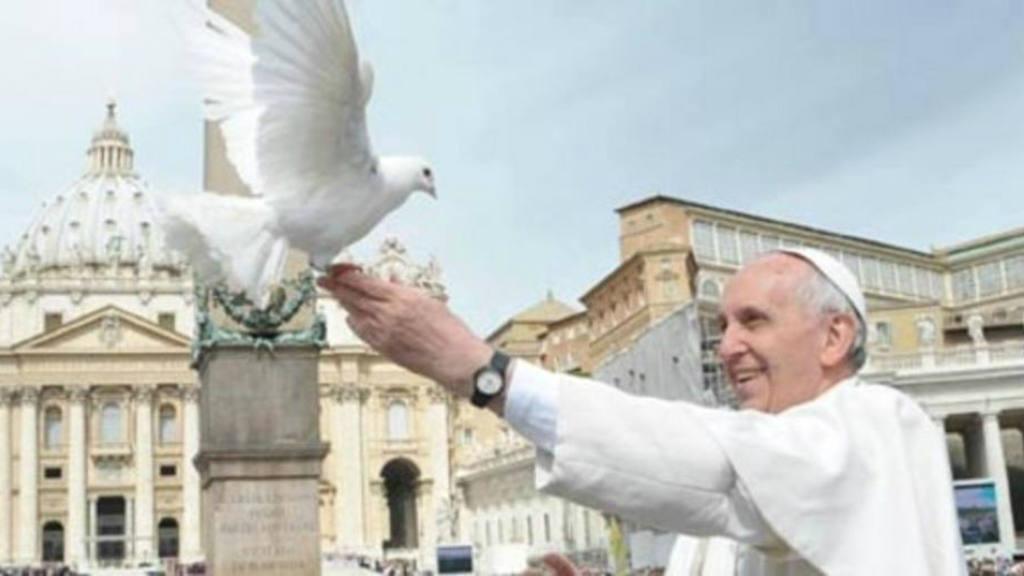 El Papa celebra el acuerdo de paz entre el Gobierno colombiano y las FARC