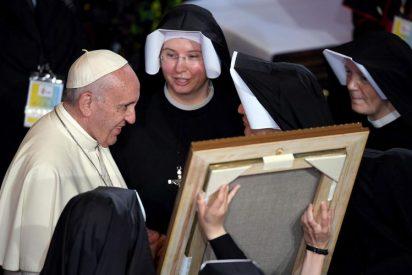 «Riqueza, testimonio, esperanza», las claves del Papa para la vida consagrada