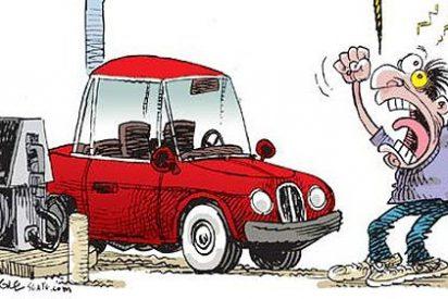 Los precios de los carburantes ahondan en España en sus mínimos de verano