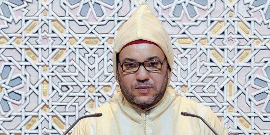 """Mohamed VI pide a musulmanes, cristianos y judíos """"permanecer unidos"""" contra el yihadismo"""