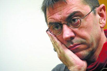"""Juan Carlos Monedero desprecia a un redactor de El Mundo: """"Cada uno se gana la vida como puede..."""""""