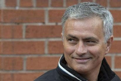 Mourinho debuta con victoria del Manchester United y gol de Ibrahimovic