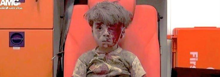 """Los niños, víctimas de la guerra... """"Hay que hacerlo esperanza"""""""