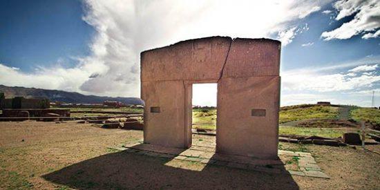 Viaje a la Enigmática Puerta del Sol de Tiwanaku ( I)