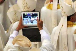 Redes sociales y 'Apps' se abren paso como herramientas de práctica religiosa entre los jóvenes