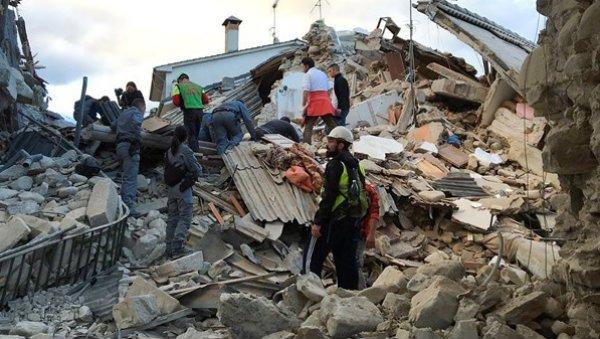 El cardenal Blázquez expresa su dolor por el terremoto en Italia