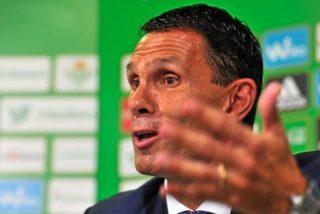 """Gustavo Poyet: """"Estoy harto de los árbitros, ya van tres en cinco partidos"""""""