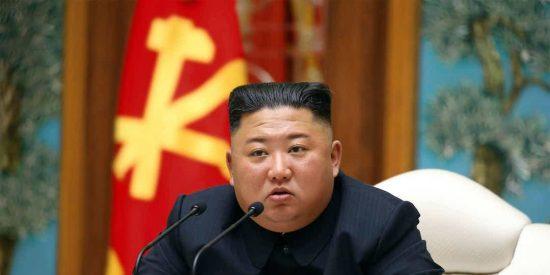 Kim Jong-un manda a ejecutar a dos personas y cierra Pyongyang para controlar el coronavirus