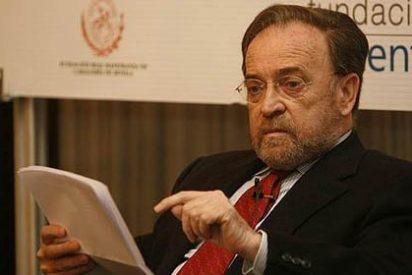 """El palo de Antonio Burgos a Rajoy, Sánchez, Rivera e Iglesias: """"Estos cuatro egos no caben en el Bernabéu"""""""