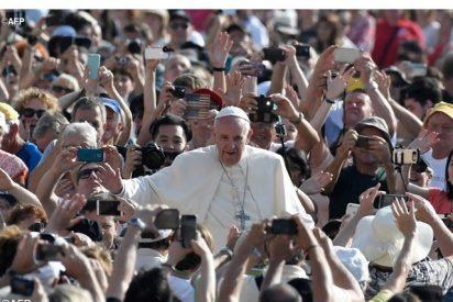"""El Papa denuncia: """"Los responsables de los bombardeos en Siria tendrán que rendir cuentas ante Dios"""""""