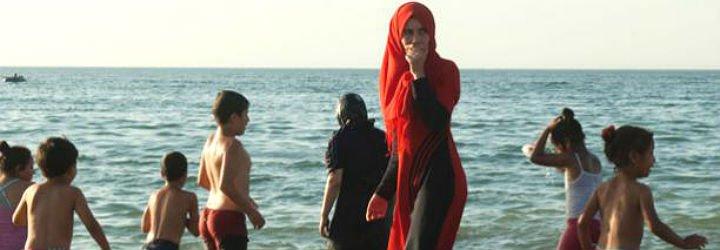 Musulmanes y judíos israelíes, perplejos por la polémica del burkini
