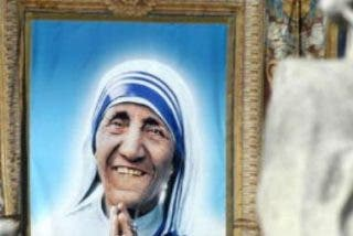 "Francisco canoniza a Madre Teresa, ""incansable trabajadora de la misericordia"""