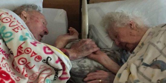 El emotivo último adiós de dos ancianos horas antes de morir