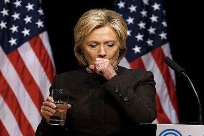 [VÍDEO] ¿Qué demonios es esa sustancia verde que escupe Hillary Clinton en un vaso?