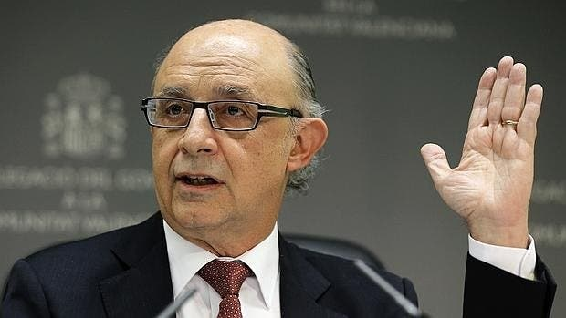 El Gobierno Rajoy subirá por Decreto Ley las pensiones y los salarios públicos ante el 'bloqueo' de Sánchez
