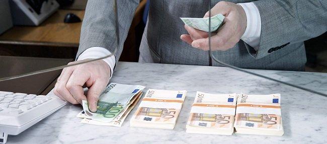 El Banco Popular prejubilará a unos 1.800 empleados, el 62% del ajuste de plantilla